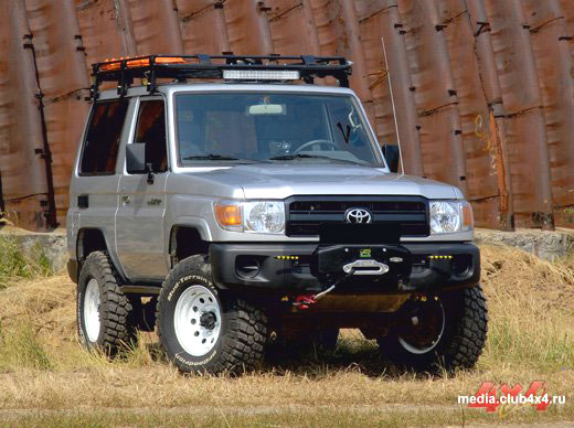 Toyota Land Cruiser 70 «АнВиР» 2010